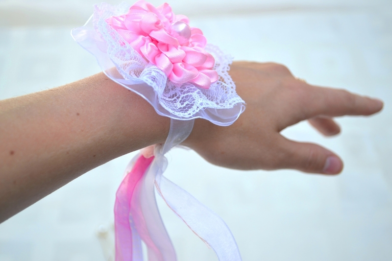 Подвязки для подружек невесты  на руку