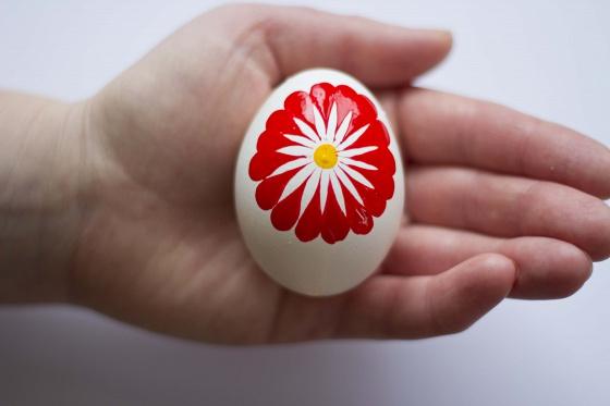Яркие пасхальные яйца