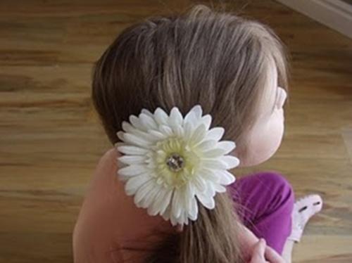 Заколка из цветка