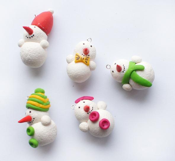 Снеговики из полимерной глины