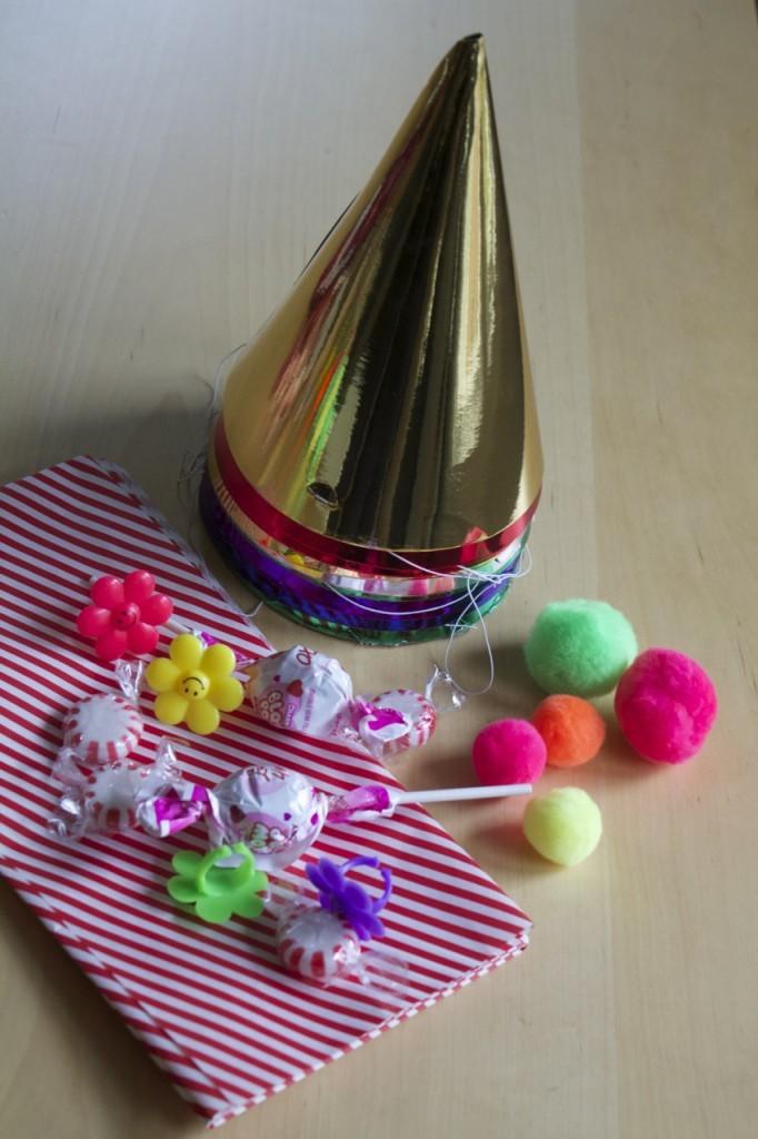 Праздничные колпаки со сладостями