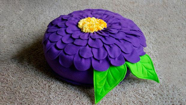 Пуф подушка в виде цветка