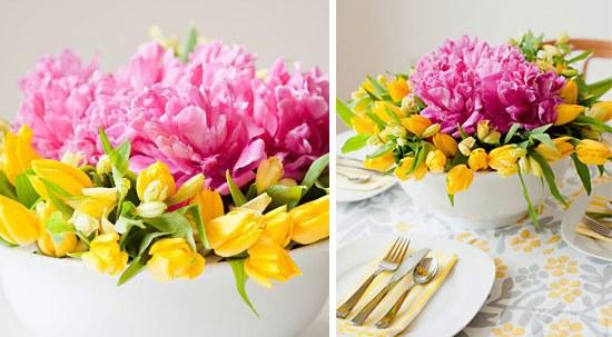 Композиция из цветов в вазе