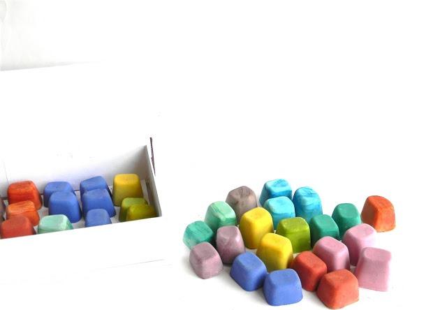 Цветные мелки для рисования на асфальте