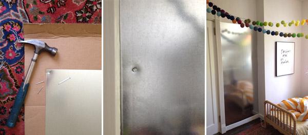Стена с магнитными буквами